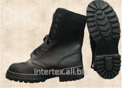 Boots man's berets