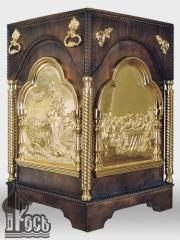 Portable throne with wooden vestments