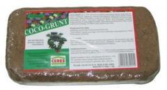 Coco-grunt (coconut soil) briquette