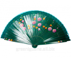 Fan wooden with drawing varnished (22,5 cm)