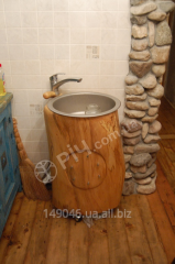 Kitchen sink made of natural wood