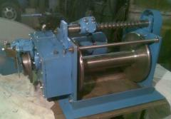 Electric winches for a paraseyling