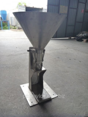 B \at the manual automatic machine for filling of