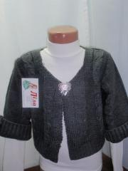 Bolero knitted with sleeve three quarters, knitted