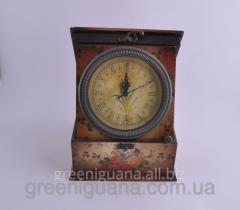 Hours - a casket of 22х22 cm (98368 H)