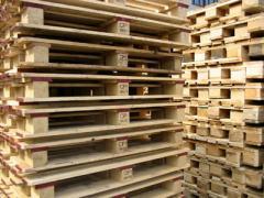 Поддоны, поддоны деревянные.
