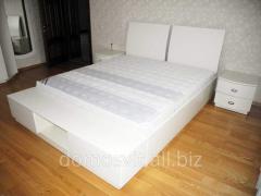 Beautiful bedside curbstones in bedrooms to