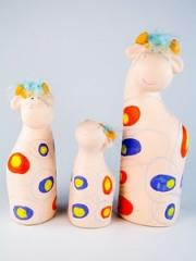Figure ceramic / A / Cow / Down / Family /