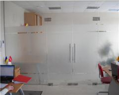 Office partitions from glass