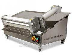 Dough flattening roller