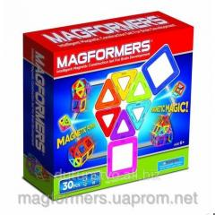 Magnetic designer of magformers rainbow