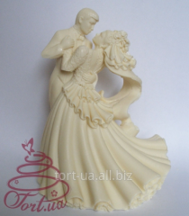 Wedding figure on Love cake