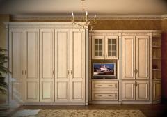 Шкафы и шкафы-купе деревянные с ручной резьбой,