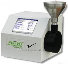 Infrared analyzer of AgriCheck grain (Germany)