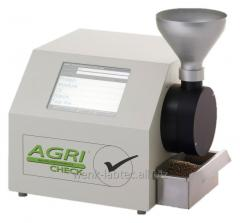 Infrared analyzer of whole grain and oil-bearing