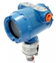 Pressure sensor, pressure sensors, pressure