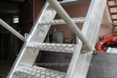 Ladder gangways from aluminum