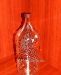 Wine bottle of 2 l with a cover
