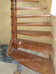 Лестницы деревянные из дуба