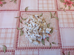 Dried horse-radish. Seasoning.