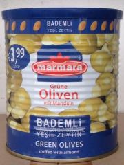 Olives (olives) Green faršyrovannye almonds