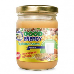 Nut paste with honey