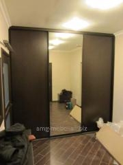 Sliding wardrobe brown with a mirror