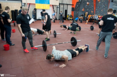 Modular rubber floors for weightlifting