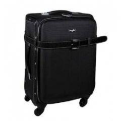 Traveling bag on castors