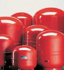 Broad tank for systems of heating