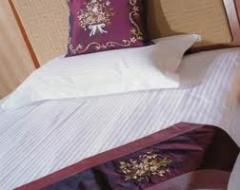 Textiles for hotels, textiles for restaurants of