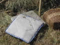 Льняная подушка-седушка. Наполнитель: 100%-ый