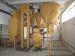 Hammer crushers for crushing of raw materials in