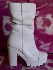 White half boots of BL 66