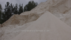 Limestone powder for application on building,