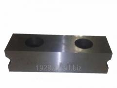 Нож 67х48х19 с 2 отверстиями М12 расстояние между