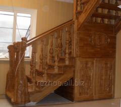 Лестницы из натурального дерева.