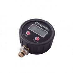The digital manometer to the gun for pumping of