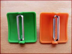 Knives for cleaning of peeler vegetables