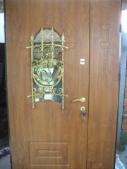 Protiudarn_ dver_ on a _ndividualny zamovlenny