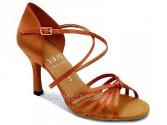 Dans için ayakkabı