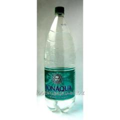 Bon Aqua water srednegazirovanny 1,5l