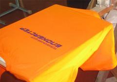 Одежда с логотипом. Нанесение фирменной символики
