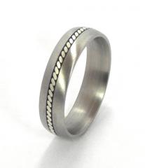 Титанове обручальное кольцо со вставками серебра
