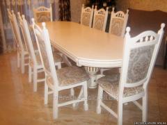 Стол обеденный - без декора.