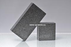 Stone blocks polnopilenny 20kh10kh5sm from a gabbr