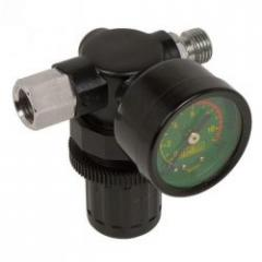 Reducer with the MIOL 81-468 manometer