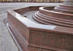 Декоративные элементы фонтана из гранита