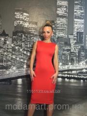 Женское красное платье ниже колен из микромасла
