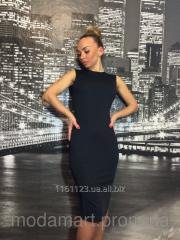 Женское черное платье ниже колен из микромасла